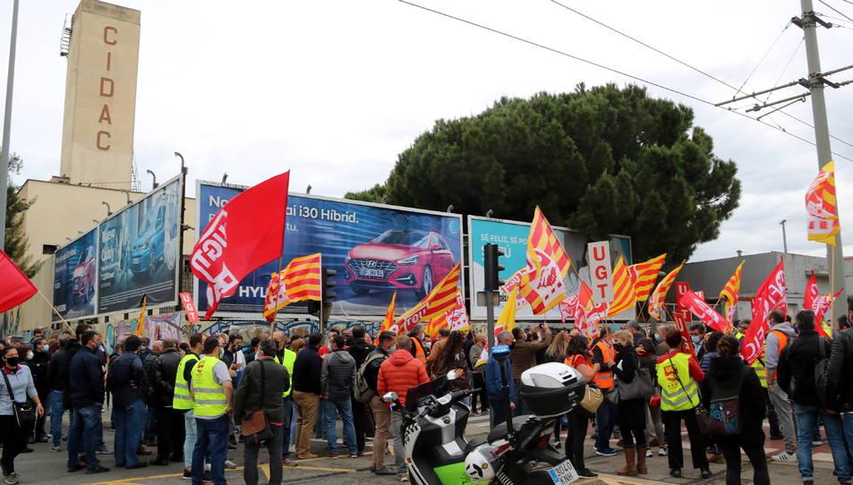 Protesta d'aquest 10 de maig de 2021 davant l'empresa Cidac de Cornellà de Llobregat.