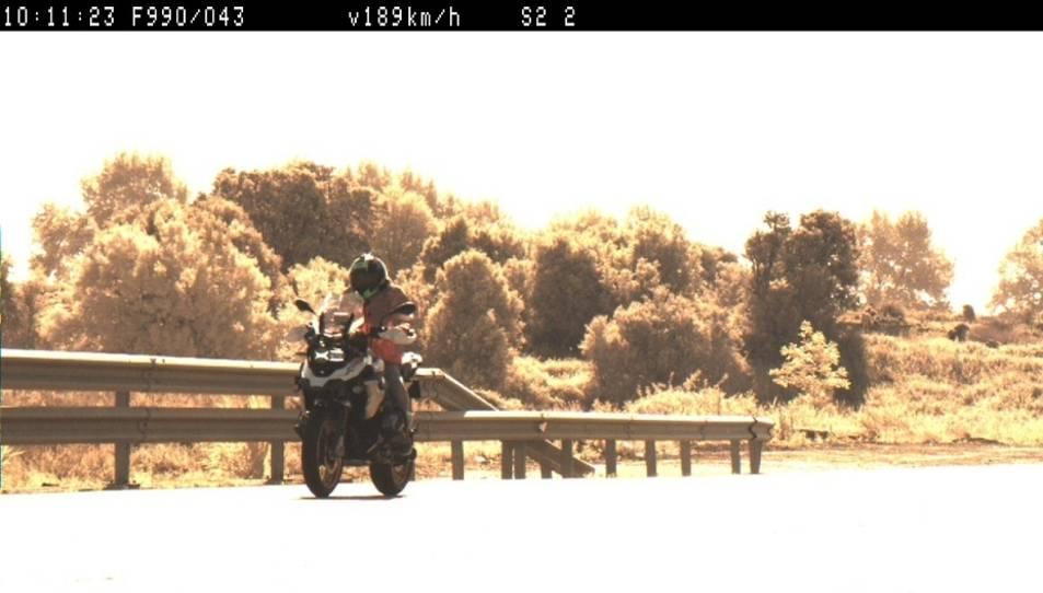 Imatge del motociclista del Baix Camp denunciat mentre circulava per l'N-240 a Lleida.