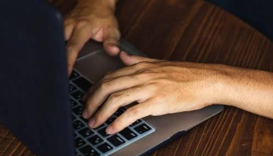 Es feien passar per entitats bancàries per obtenir les dades de les targetes de crèdit de les víctimes.