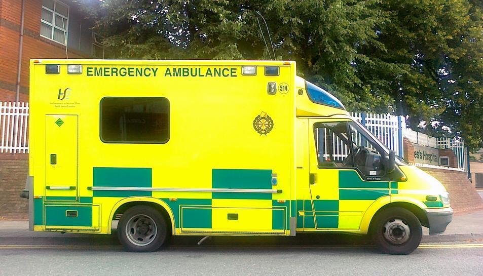 Imatge d'arxiu d'una ambulància del servei de salut irlandès.