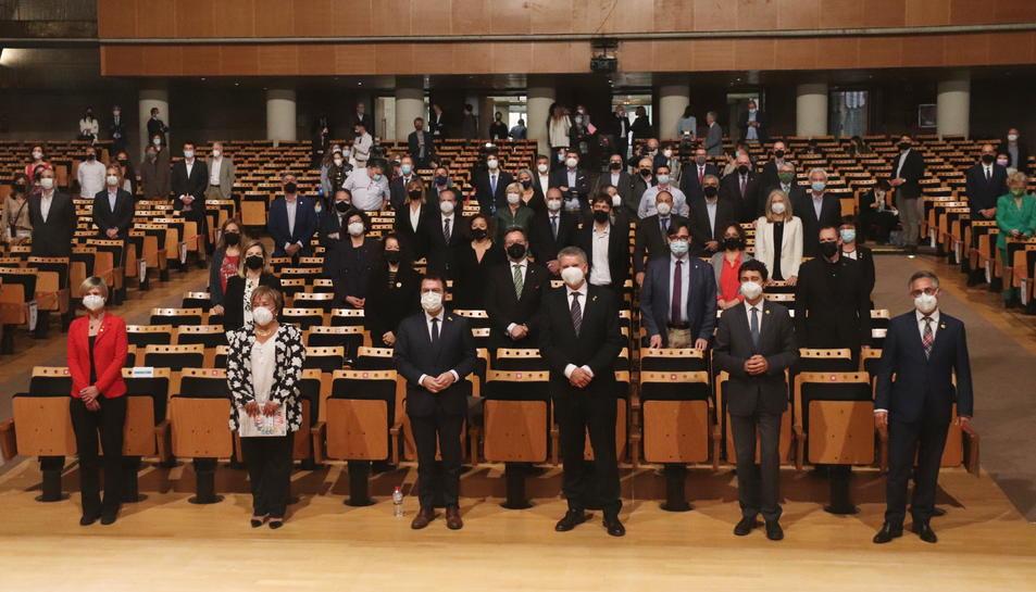 Pla general del Palau Firal i de Congressos de Tarragona amb els impulsors de la Vall de l'Hidrogen de Catalunya.