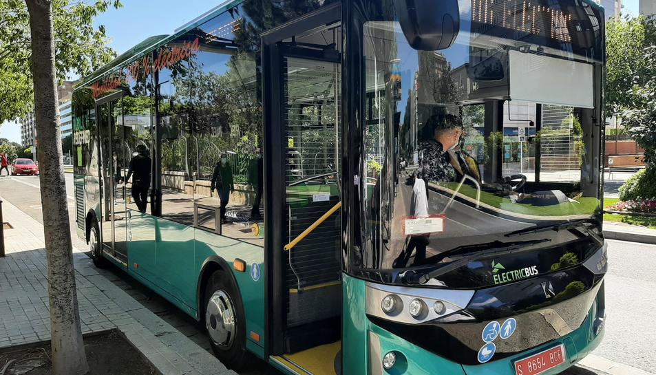 Imatge de l'autobús elèctric.