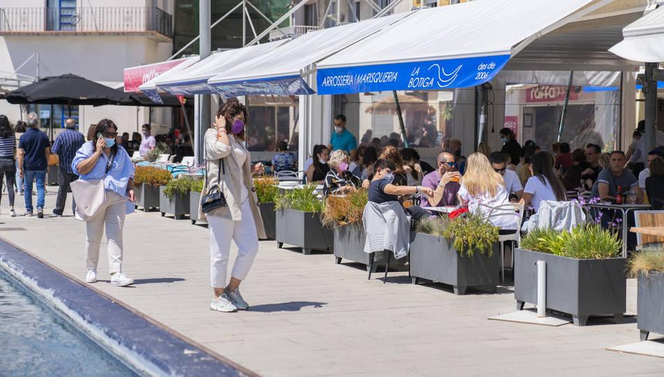 La presència de gent a les terrasses va ser una imatge habitual aquest cap de setmana a Tarragona.