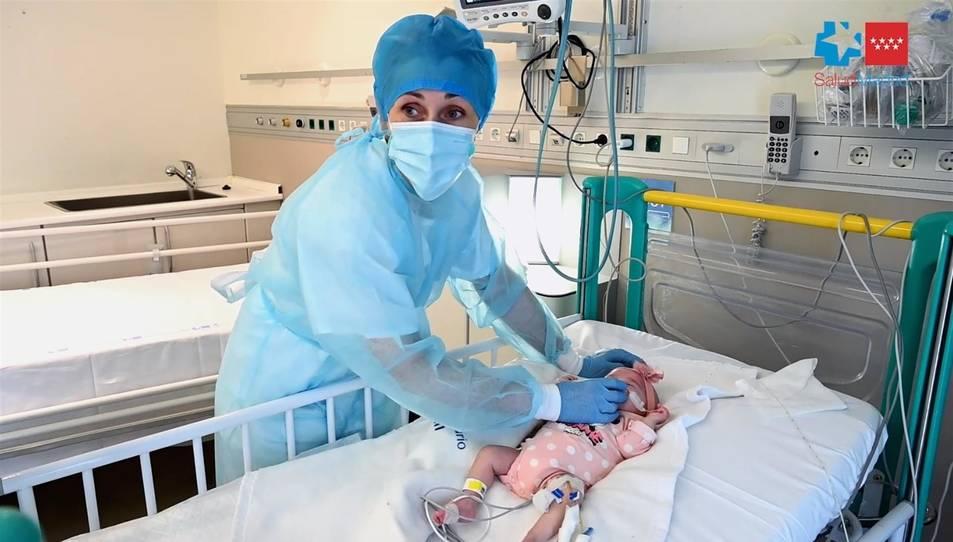 La curta edat del bebè ha afavorit que l'operació fos viable