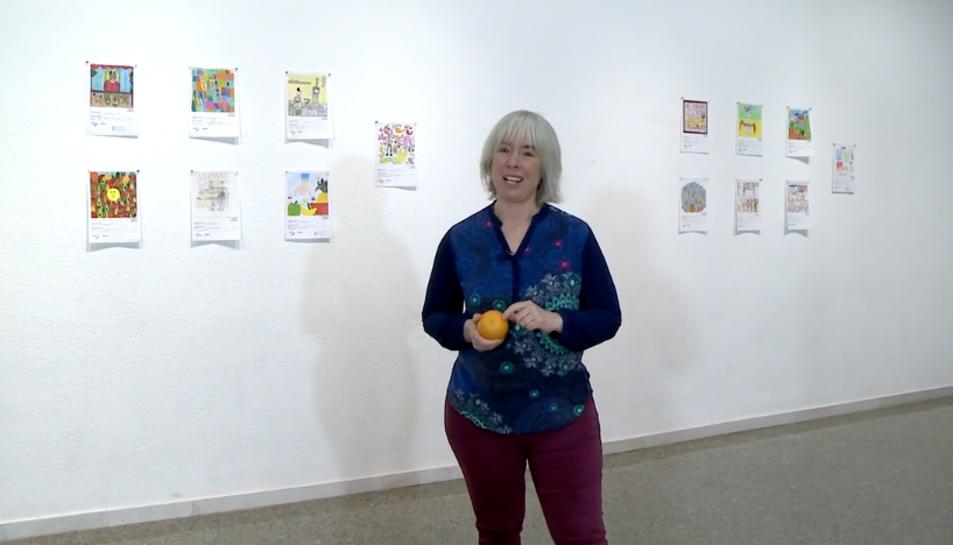 L'escriptora Júlia Prunés ha anunciat els guanyadors.