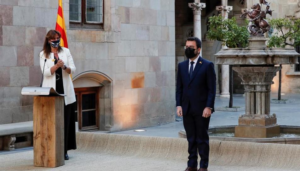 La presidenta del Parlament i el president de la Generalitat al Pati dels Tarongers.