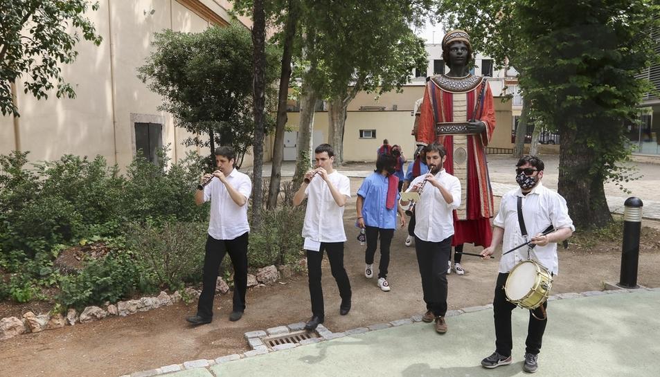 Els Gegants de Reus tornen a ballar