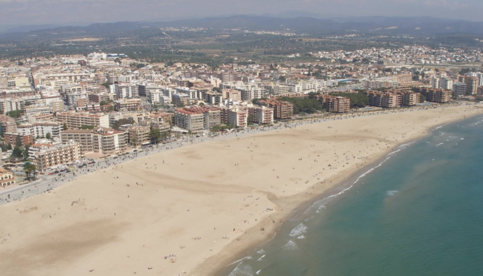 Imatge aèria de la platja de Torrdembarra.