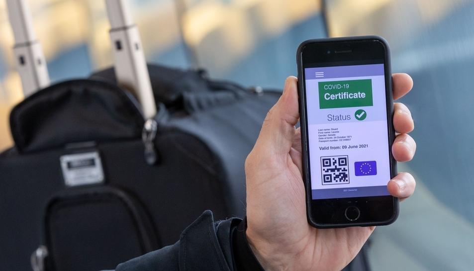 El certificat ja es pot aconseguir per web, però encara no està en funcionament l'app pel mòbil.