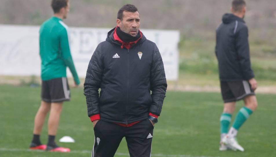 Raúl Agné, durant la seva etapa al Córdoba, últim equip que ha entrenat abans de fitxar pel Nàstic.