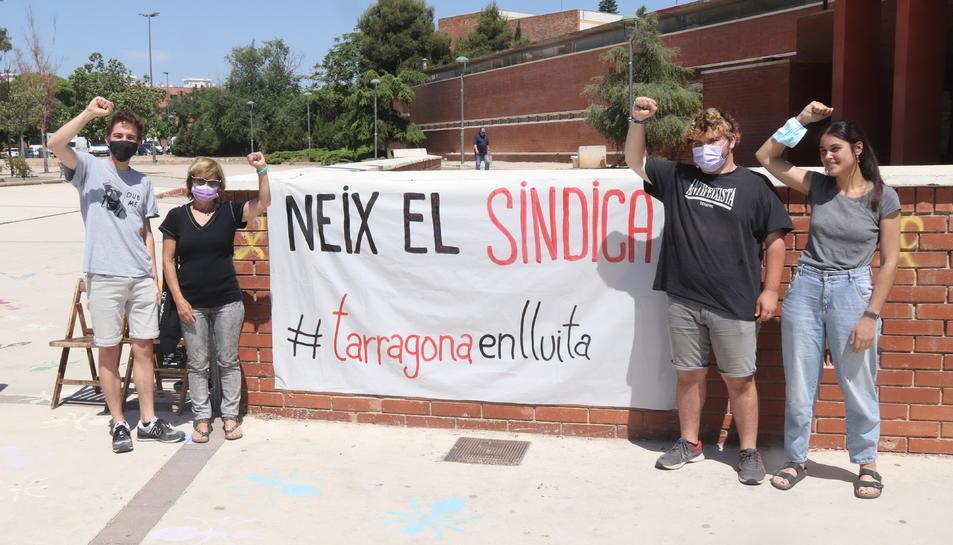 Pla sencer d'alguns dels impulsors del Sindicat d'Habitatge de Tarragona.