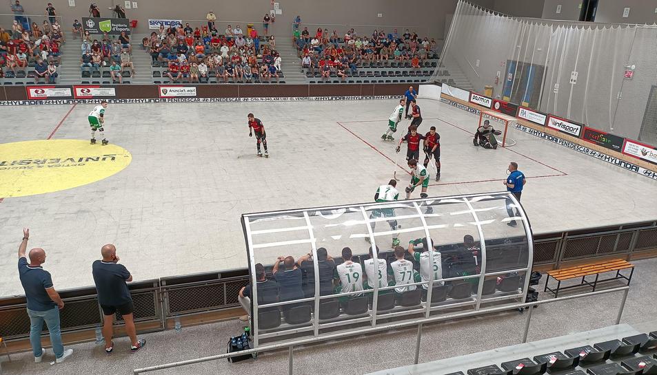 Un momento del partido entre Vendrell y Alcobendas.