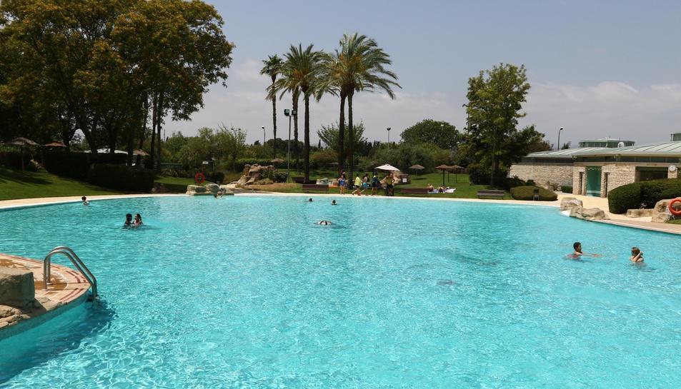 Imatge de les piscines municipals del Parc els Capellans.