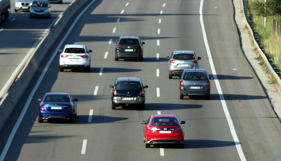 Imatge de vehicles circulant per l'autopista AP-7.