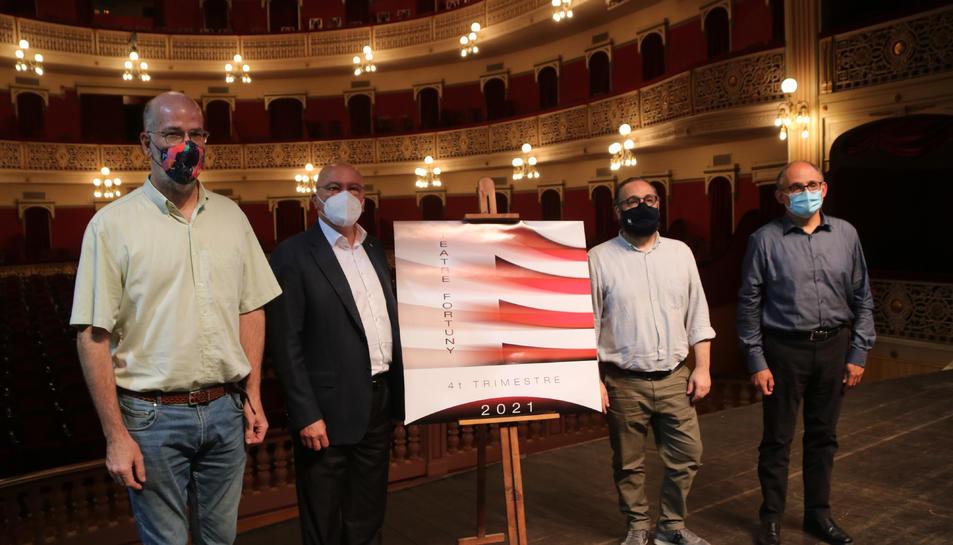 L'alcalde de Reus, Carles Pellicer, el regidor de Cultura de Reus, Daniel Recasens i el gerent del Teatre Fortuny, Josep Margalef.