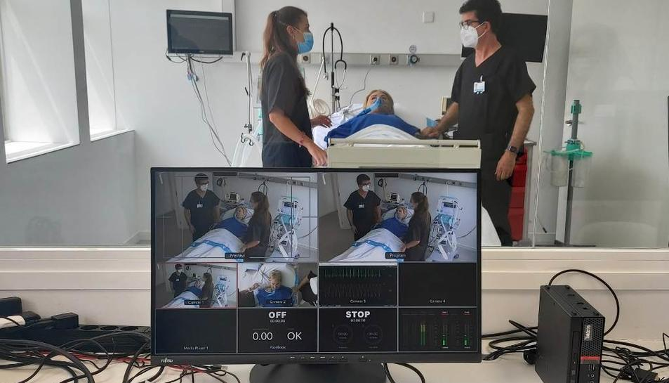 La nova unitat de simulació és una eina de formació dels professionals sanitaris i no sanitaris.