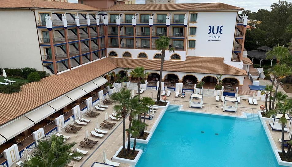 Instal·lacions de l'hotel Tui Blue Illa Cristina, que ha llançat per a aquest estiu una oferta que consisteix en el fet que una persona s'allotjarà gratis dos mesos.