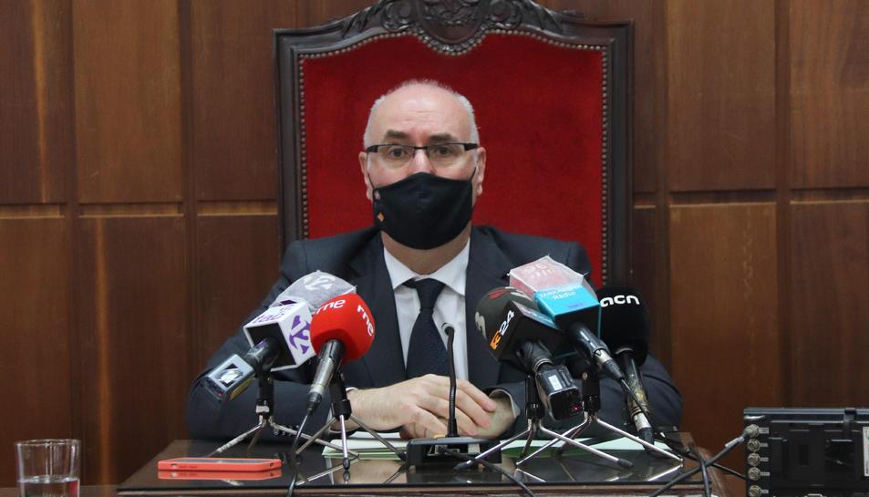 Pla mitjà del president de l'Audiència de Tarragona, Joan Perarnau.