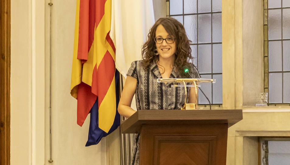 Tània Verge, consellera de Feminismes i Igualtat, durant el pregó que va donar ahir el tret de sortida a les festes de Sant Pere.