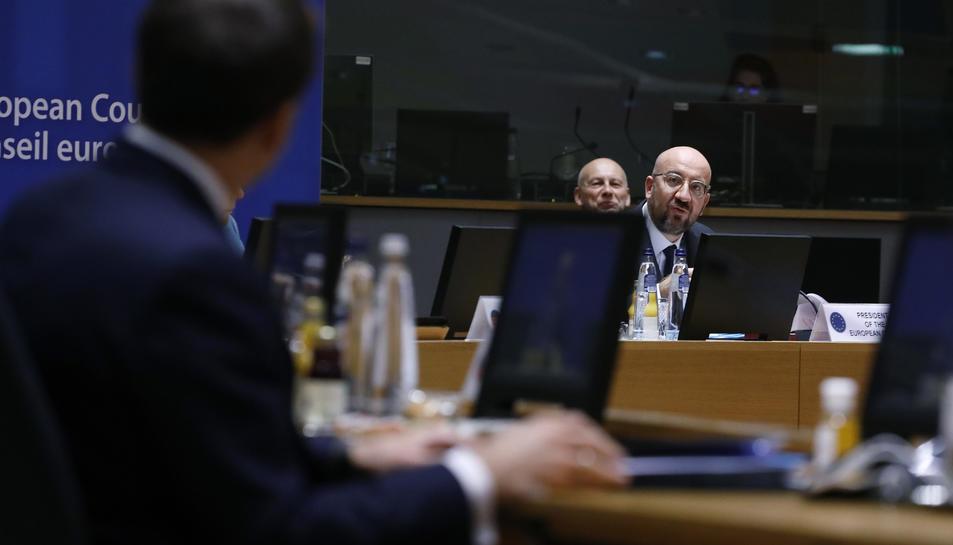 Pla mitjà del president del Consell, Charles Michel, durant una intervenció a la cimera amb els líders a Brussel·les.
