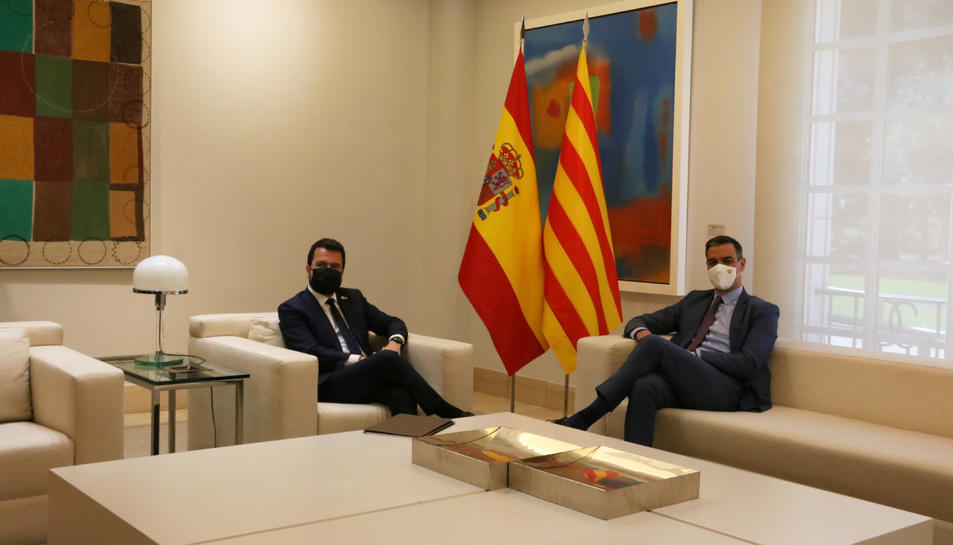 El president espanyol, Pedro Sánchez, i el cap del Govern, Pere Aragonès, reunits a Moncloa.