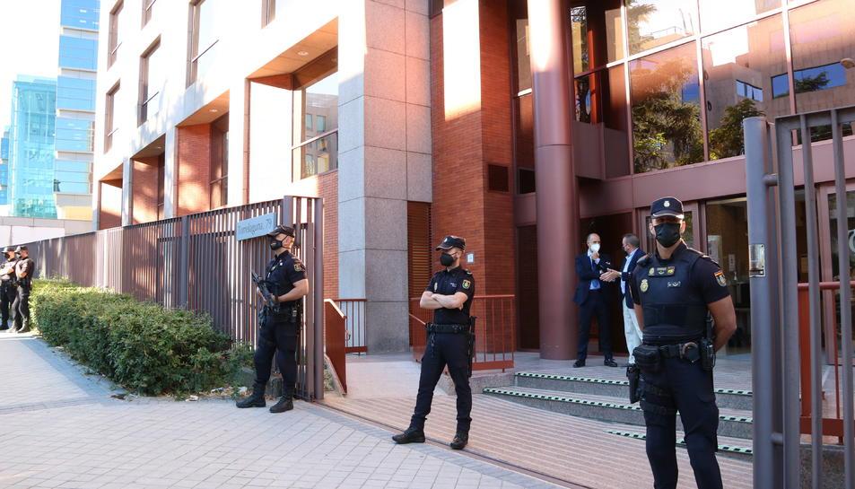 Entrada de la seu del Tribunal de Comptes al carrer Torrelaguna de Madrid.