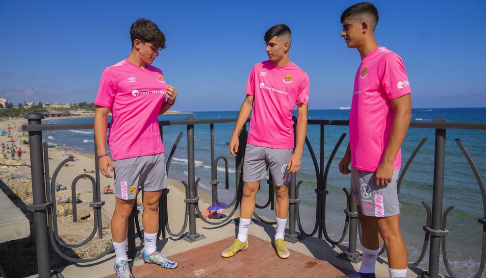 Lorca, Romero i Montalvo amb la nova samarreta.