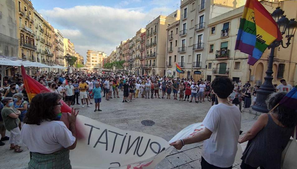 Imatge de la concentració a la plaça de la Font de Tarragona.