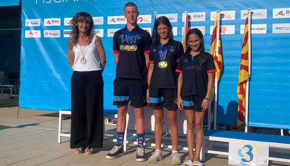 Els nedadors del Club Tàrraco, després de participar en la prova.