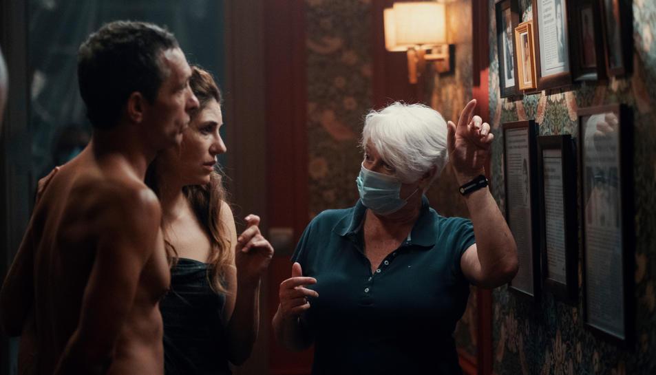 Pablo Derqui i Marina Gatell a la pel·lícula 'Dos' amb Mar Targarona
