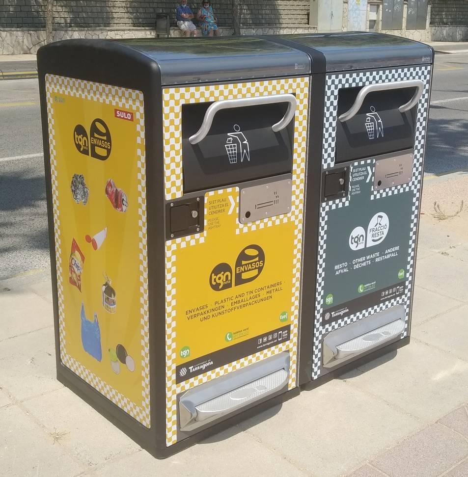 Imatge de les papereres compactadores instal·lades a l'Arrabassada.