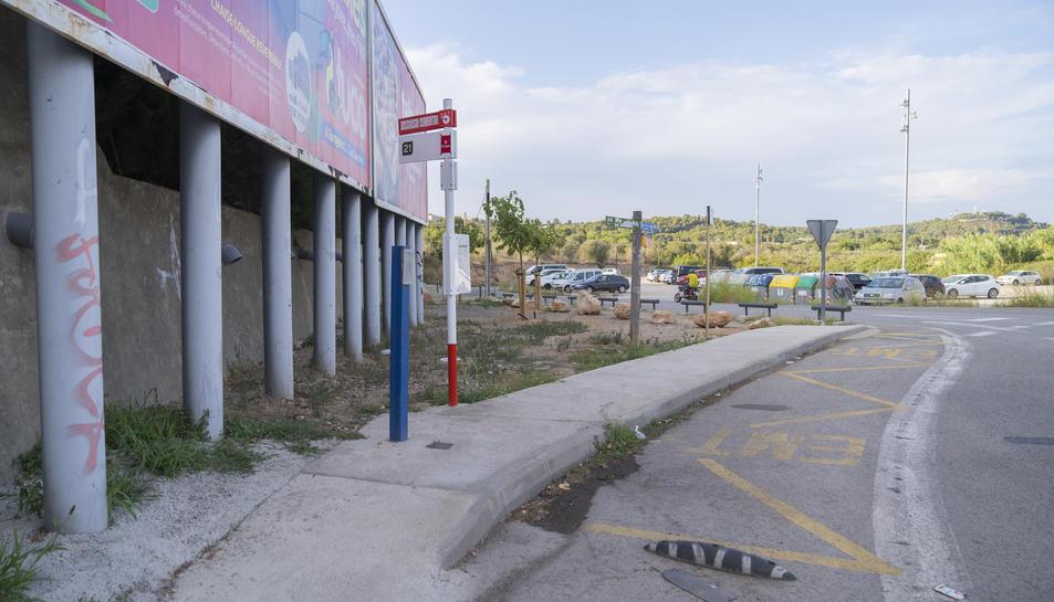 El pàrquing dissuasiu del Cementiri era un dels més desconnectats, però ara té parada d'autobús i sumarà l'aparcament de patinets.
