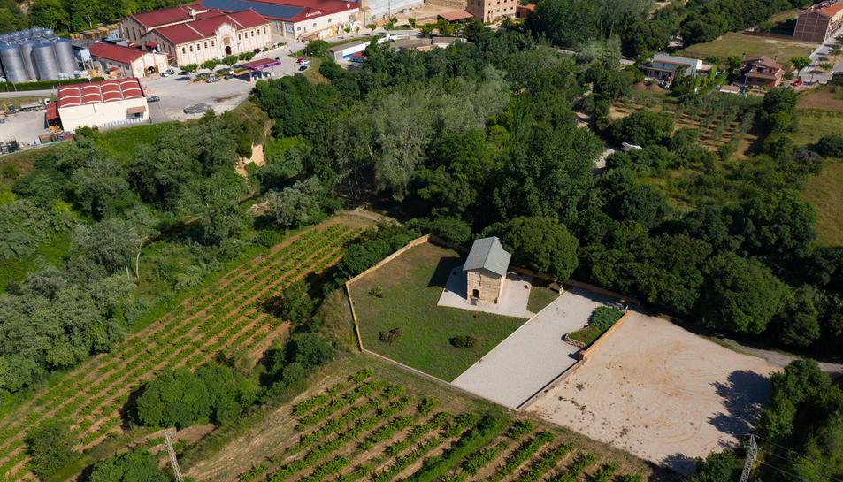 Vista aèria del Columbari romà de Vila-rodona i el seu entorn.
