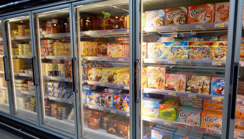 Imatge d'arxiu de gelat a la venda en un supermercat.