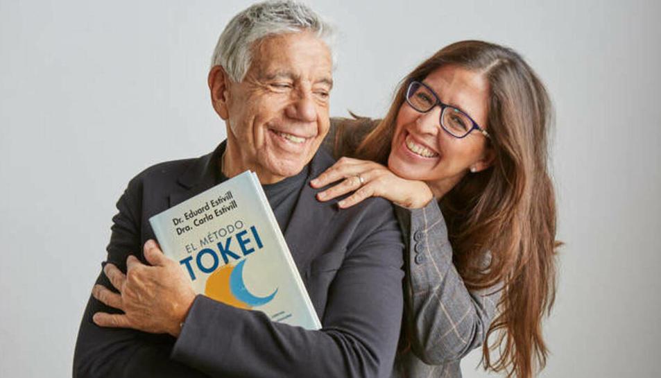 Eduard Estivill i la seva filla, Carla, autors del llibre.