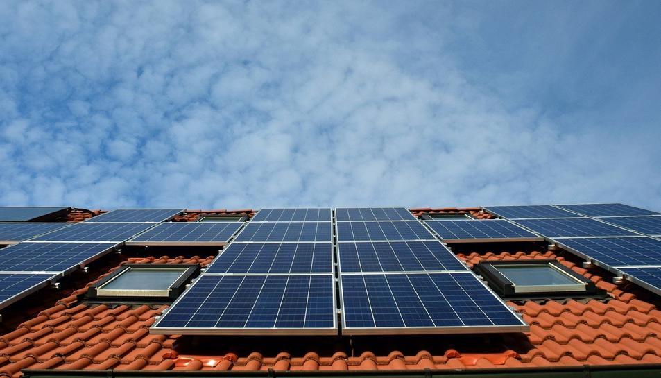 Imatge d'arxiu de plaques solars