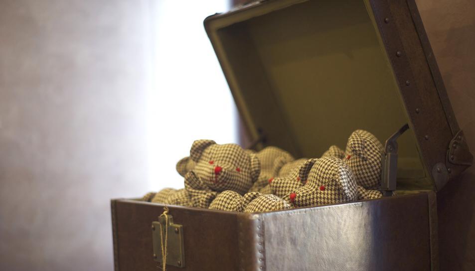 Imatge d'arxiu d'una caixa amb joguines.