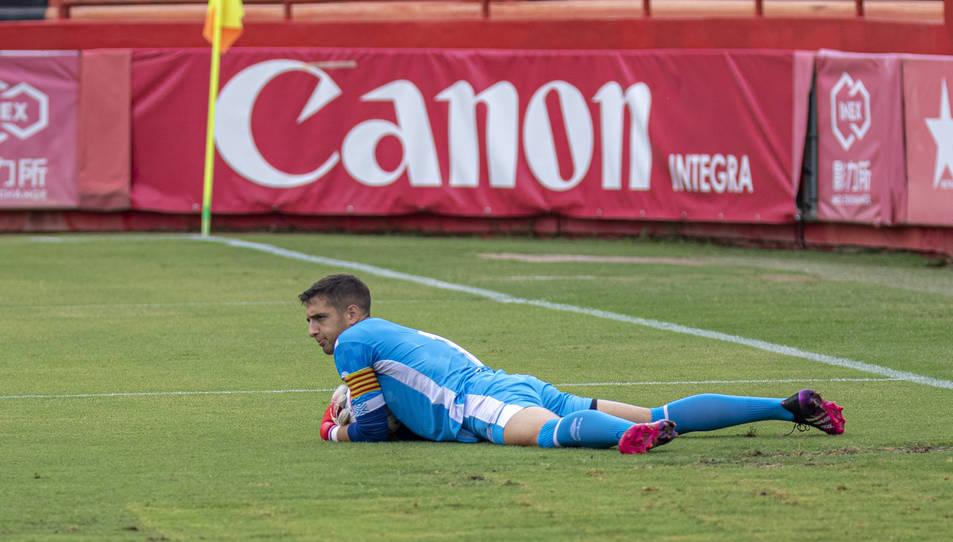 Dani Parra, durant un moment del Nàstic-Pobla de divendres, defensant la porteria del filial.