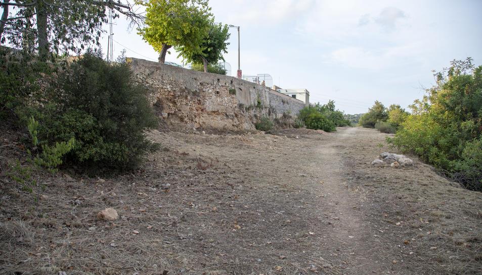 El projecte del pàrquing d'autocaravanes, de 37 places, preveu que aquest s'ubiqui als peus del mirador de l'Oliva.