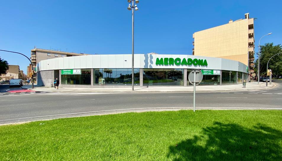 Imatge de la façana del nou Mercadona a Reus.