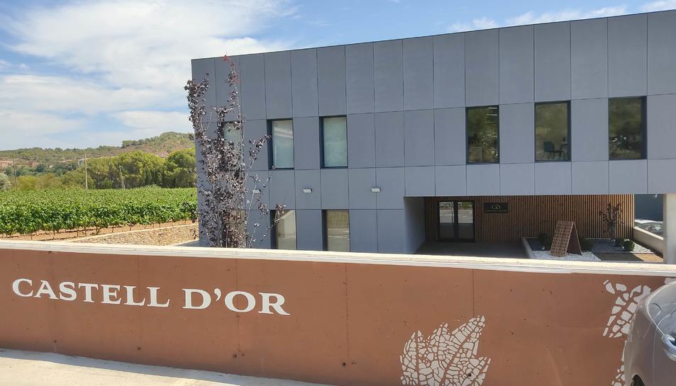 Seu central de l'empresa vitivinícola Castell d'Or, situada a Vila-rodona (Alt Camp).