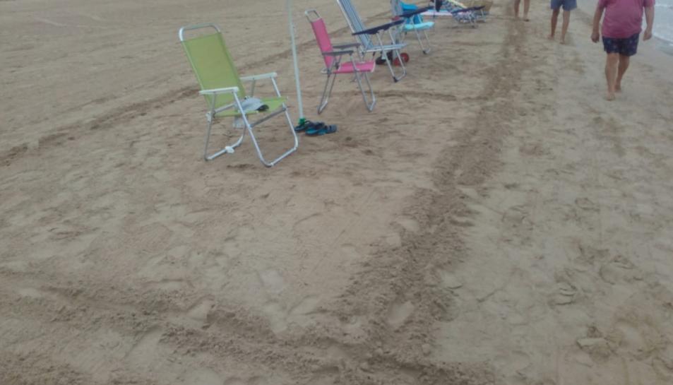Imatge de les 'parcel·les' a la platja de Salou