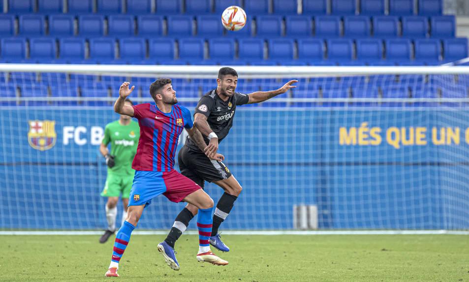 Aythami Artiles, durant un moment de l'amistós entre el Barça B i el Nàstic, que va acabar amb empat i sense gols.