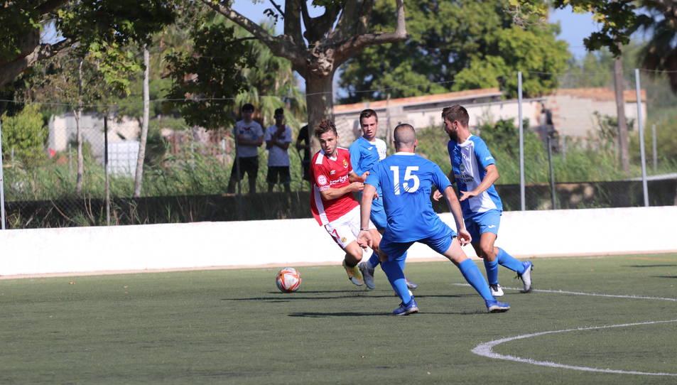 Fran Carbia, durant el partit contra La Cava (0-5).