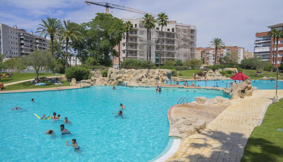 Imatge de les instal·lacions de les piscines municipals del parc dels Capellans el passat 25 de juliol.