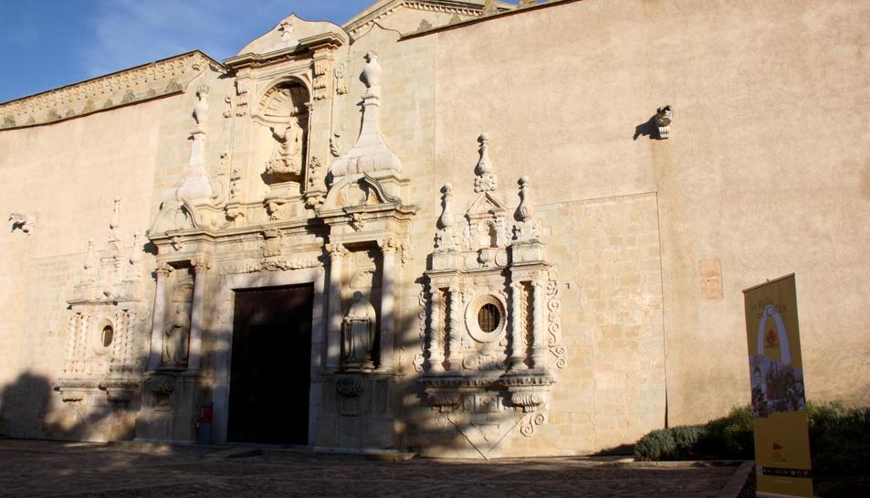 Exterior de l'església del Monestir de Poblet.