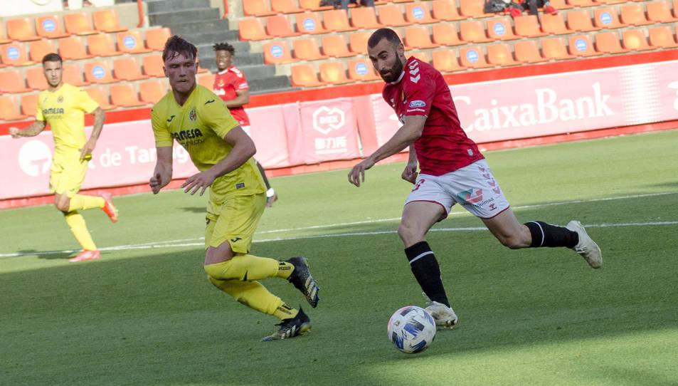 Andrei Lupu, durant una acció del Nàstic-Villarreal B de la passada temporada, corresponent a la segona fase de la Lliga.