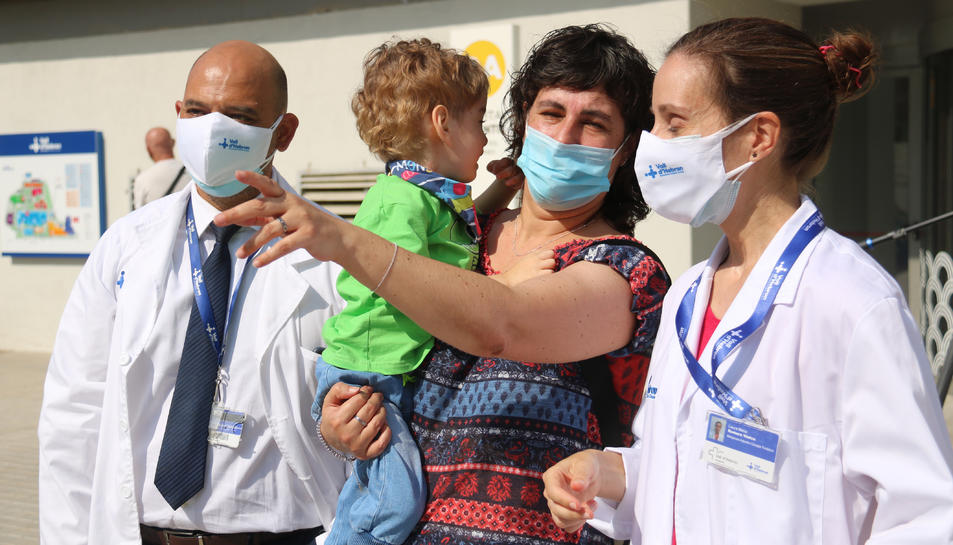 Pla obert de la Laia Mascarella i el seu fill Lleïr, intervingut a l'Hospital Vall d'Hebron.