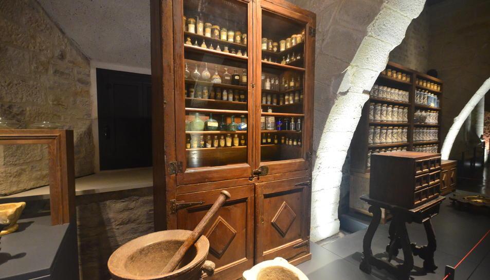 Recreació de l'antiga farmàcia del monestir.