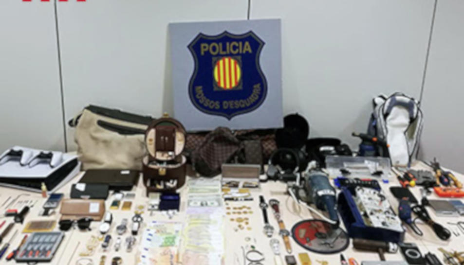 Els objectes recuperats pels Mossos.